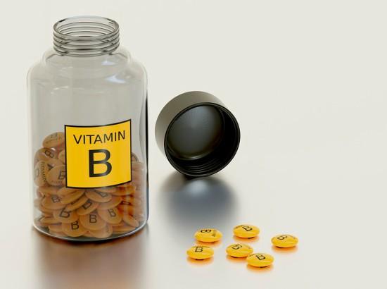 Symptoms of Vitamin B Deficiency, Vitamin B Complex Benefits Side Effects Dosage Foods, Types of B vitamins Functions sources and deficiencies, Vitamin B12 की कमी के लक्षण, विटामिन बी12 की कमी से क्या-क्या हो सकता है,